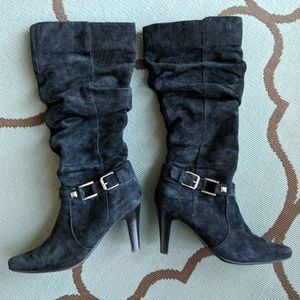 White Mountain Black Suede Heeled Boots 8